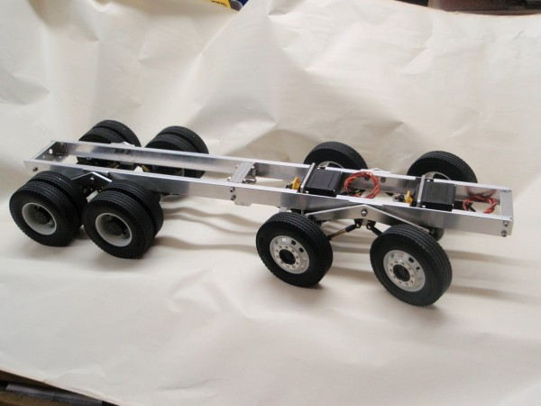 8x8 Chassis in Tamiya scale
