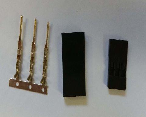 Servo plug with gold contact